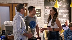 Gary Canning, Mark Brennan, Elly Conway in Neighbours Episode 7982