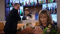Paul Robinson, Terese Willis, Jane Harris in Neighbours Episode 7982