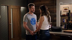 Mark Brennan, Elly Conway in Neighbours Episode 7982