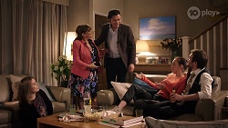 Piper Willis, Terese Willis, Leo Tanaka, Bea Nilsson, Ned Willis in Neighbours Episode 7986