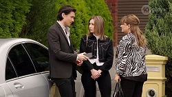 Leo Tanaka, Piper Willis, Terese Willis in Neighbours Episode 7992