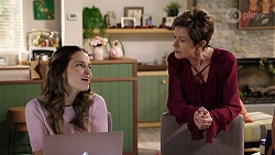 Elly Conway, Susan Kennedy in Neighbours Episode 7993