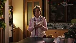 Alice Wells in Neighbours Episode 7995
