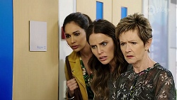 Dipi Rebecchi, Elly Conway, Susan Kennedy in Neighbours Episode 7997