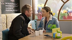 Gary Canning, Amy Williams in Neighbours Episode 7998