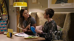 Elly Conway, Susan Kennedy in Neighbours Episode 7998
