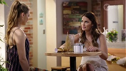 Chloe Brennan, Elly Conway in Neighbours Episode 8001