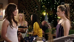 Elly Conway, Chloe Brennan in Neighbours Episode 8001