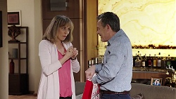 Jane Harris, Paul Robinson in Neighbours Episode 8002