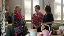 Liz Conway, Susan Kennedy, Bea Nilsson in Neighbours Episode 8002