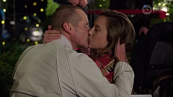 Toadie Rebecchi, Sonya Mitchell in Neighbours Episode 8002