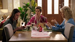 Bea Nilsson, Susan Kennedy, Liz Conway in Neighbours Episode 8003