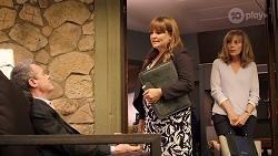 Paul Robinson, Terese Willis, Jane Harris in Neighbours Episode 8005