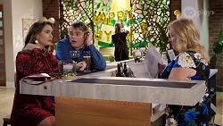 Amy Williams, Gary Canning, Sheila Canning in Neighbours Episode 8006