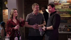 Amy Williams, Gary Canning, Shane Rebecchi in Neighbours Episode 8006