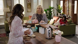Elly Conway, Liz Conway, Bea Nilsson in Neighbours Episode 8008