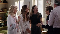 Liz Conway, Elly Conway, Bea Nilsson, Susan Kennedy, Karl Kennedy in Neighbours Episode 8009
