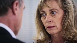 Paul Robinson, Jane Harris in Neighbours Episode 8017
