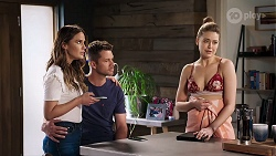 Elly Conway, Mark Brennan, Chloe Brennan in Neighbours Episode 8018