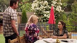 Shane Rebecchi, Sheila Canning, Dipi Rebecchi in Neighbours Episode 8020