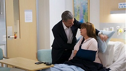 Paul Robinson, Terese Willis in Neighbours Episode 8023