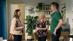 Amy Williams, Sheila Canning, Gary Canning in Neighbours Episode 8024