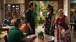 Gary Canning, Shane Rebecchi, Dipi Rebecchi, Sheila Canning, Amy Williams in Neighbours Episode 8025