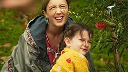 Sonya Mitchell, Nell Rebecchi in Neighbours Episode 8025