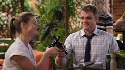 Amy Williams, Gary Canning in Neighbours Episode 8030