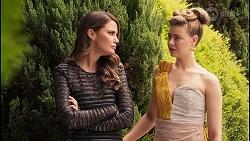 Elly Conway, Chloe Brennan in Neighbours Episode 8033