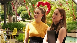 Chloe Brennan, Melissa Lohan in Neighbours Episode 8036