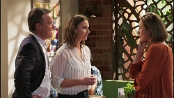 Paul Robinson, Amy Williams, Sonya Rebecchi in Neighbours Episode 8037