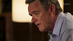 Paul Robinson in Neighbours Episode 8040