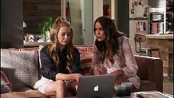 Chloe Brennan, Elly Conway in Neighbours Episode 8051