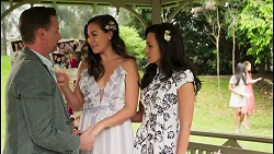 Lucas Fitzgerald, Jade Mitchell, Vanessa Villante in Neighbours Episode 8056