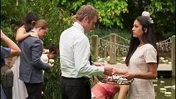 Jade Mitchell, Callum Rebecchi, Gary Canning, Yashvi Rebecchi in Neighbours Episode 8056