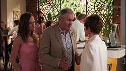Bea Nilsson, Karl Kennedy, Susan Kennedy in Neighbours Episode 8056