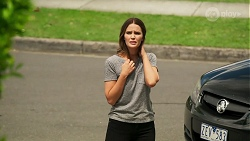 Elly Conway in Neighbours Episode 8060
