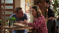 Gary Canning, Amy Williams in Neighbours Episode 8061