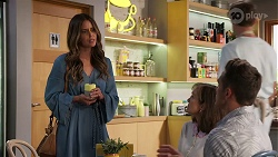 Elly Brennan, Fay Brennan, Aaron Brennan in Neighbours Episode 8063