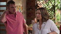 Gary Canning, Amy Williams in Neighbours Episode 8064
