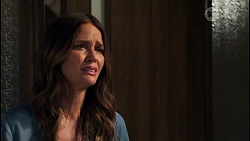Elly Brennan in Neighbours Episode 8064