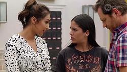 Dipi Rebecchi, Yashvi Rebecchi, Shane Rebecchi in Neighbours Episode 8065