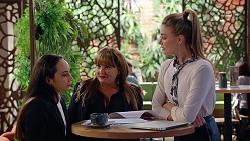 Imogen Willis, Terese Willis, Chloe Brennan in Neighbours Episode 8065