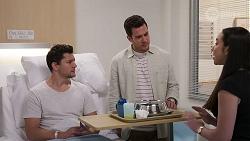 Finn Kelly, Shaun Watkins, Imogen Willis in Neighbours Episode 8067