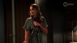 Elly Brennan in Neighbours Episode 8070