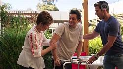Susan Kennedy, Finn Kelly, Shaun Watkins in Neighbours Episode 8070