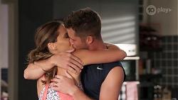 Elly Brennan, Mark Brennan in Neighbours Episode 8070