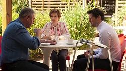 Karl Kennedy, Susan Kennedy, Finn Kelly in Neighbours Episode 8070