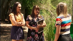 Bea Nilsson, Terese Willis, Piper Willis in Neighbours Episode 8073